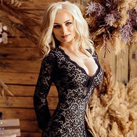 Hot wife Stela, 34 yrs.old from Kishenev, Moldova
