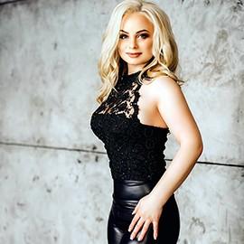 Gorgeous wife Stela, 34 yrs.old from Kishenev, Moldova